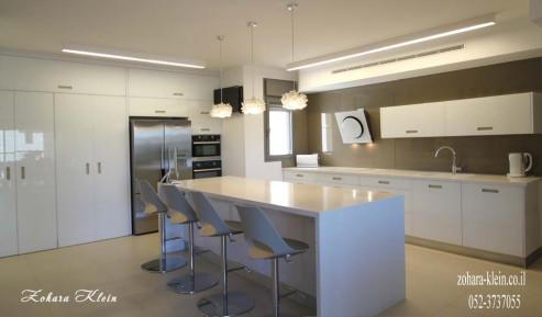 """דוגמה לעיצוב מטבח מודרני ע""""י מעצבת פנים ואדריכלית זוהרה קליין"""