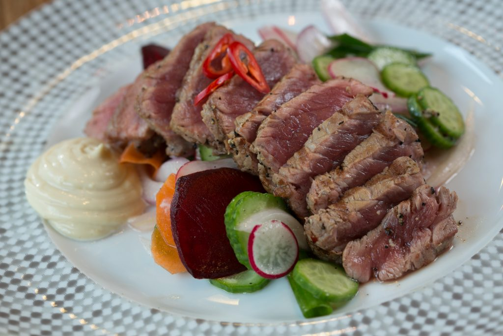 Grilled_Sirloin_&_root_salad_(1)  של ריו גרנדה